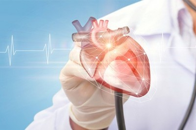 Signs of Heart Attack – Explained by Cardiologist